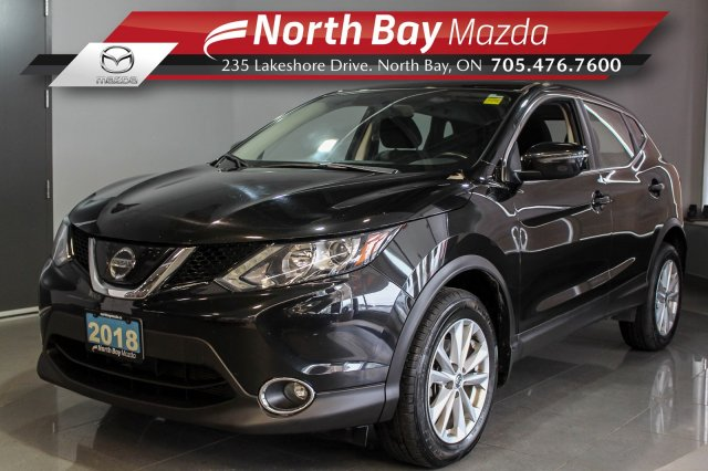 Pre-Owned 2018 Nissan Qashqai SV AWD with Sunroof, Heated Seats/Steering Wheel